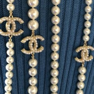 CHANEL Jewelry - Auth Chanel Anniversary Pearl Necklace